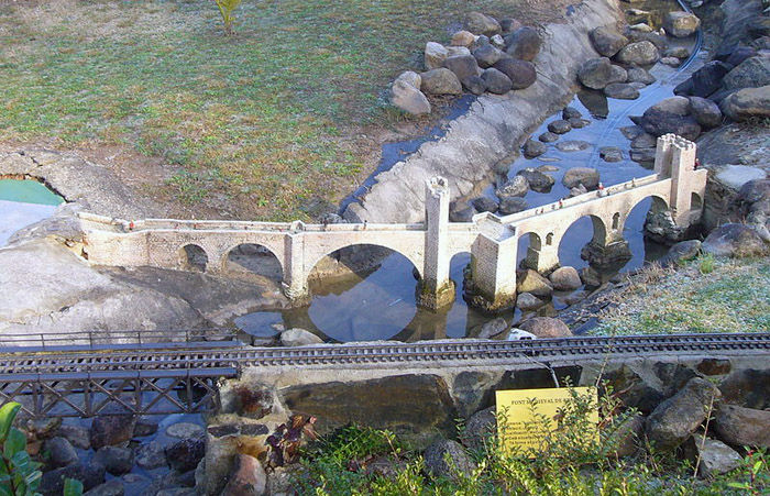Audioguide of Catalunya in Miniature Park - the Besalú Bridge