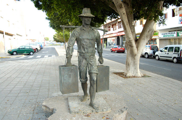 Audioguide of Puerto del Rosario - The water carrier