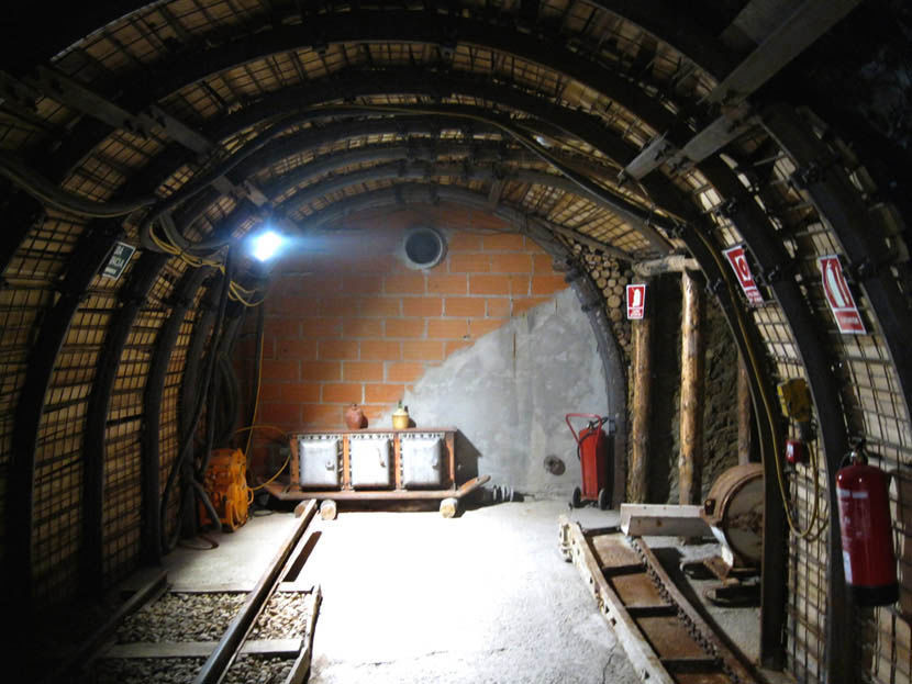 Audio guide of Puertollano´s Mining Museum - The Walled Gallery